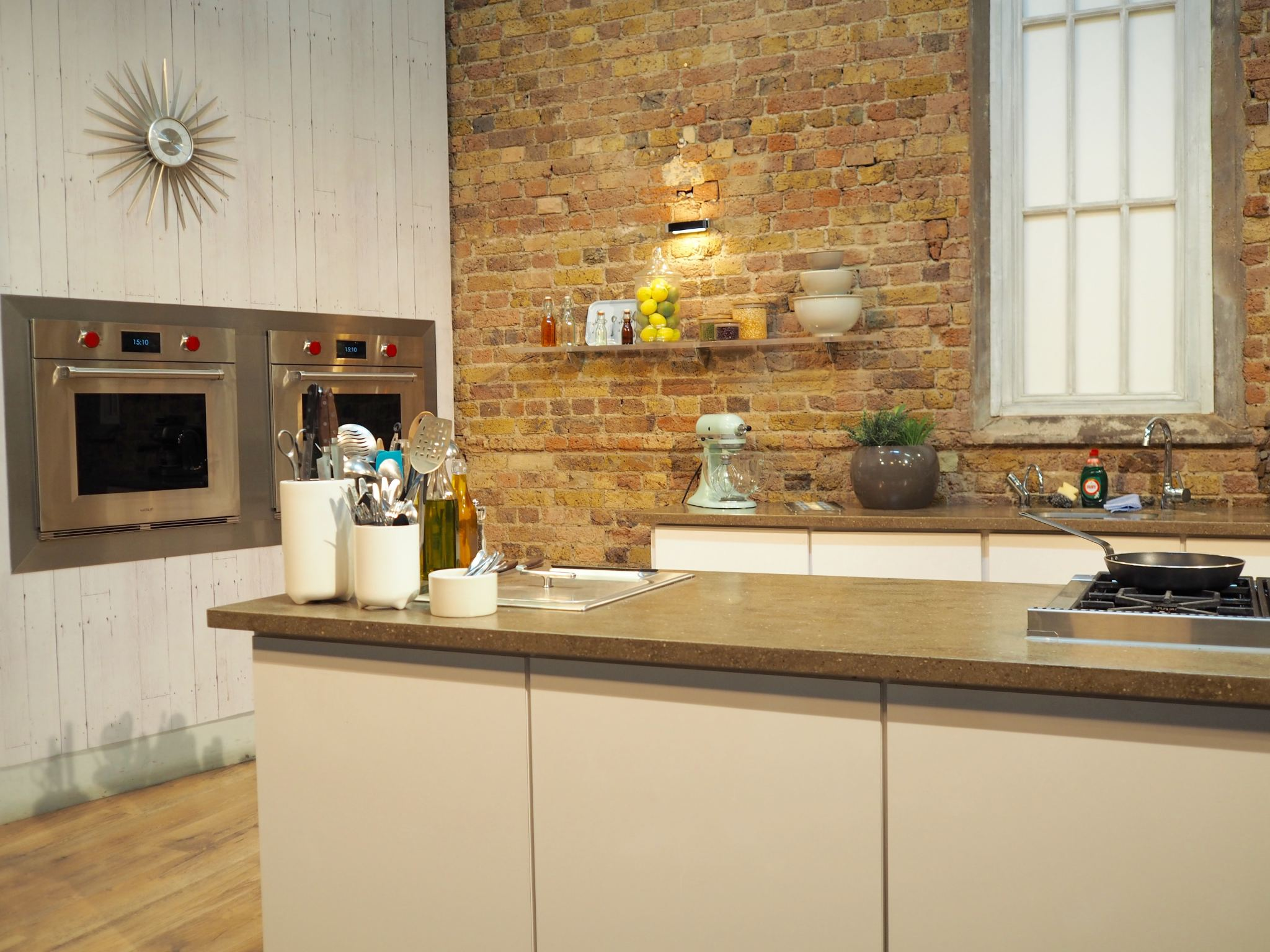 Cocoa Chelsea Iceland School of Fish, Saturday Kitchen Live omelette challenge tv set
