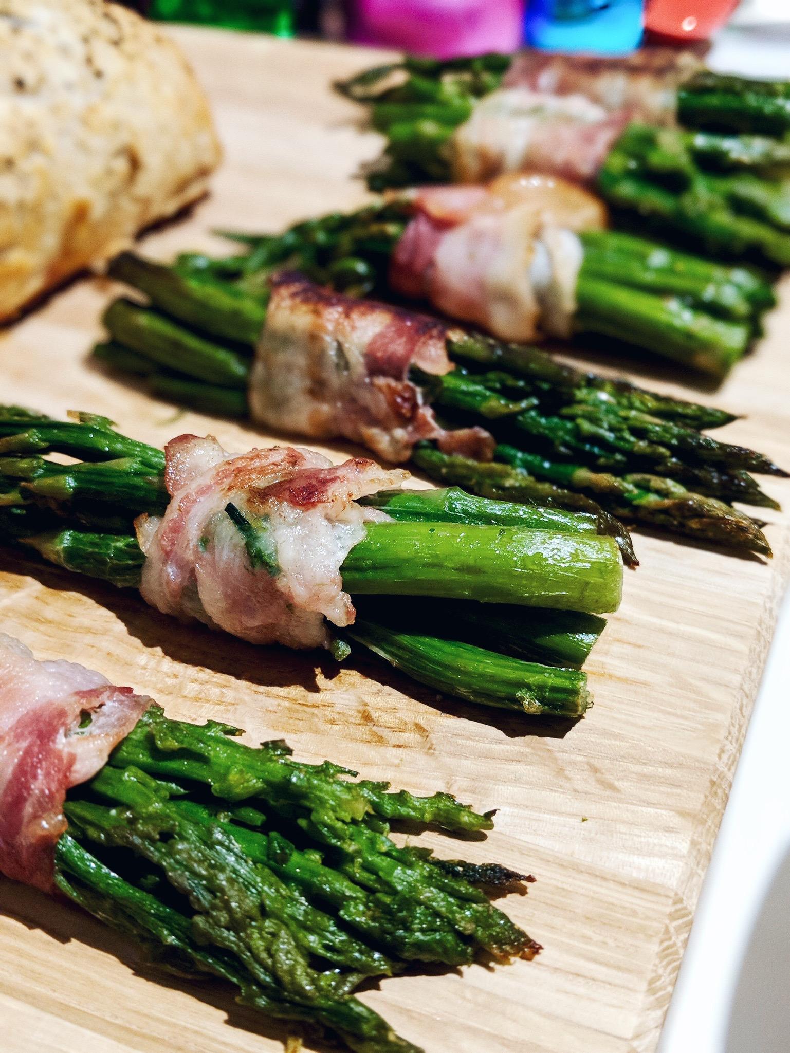 iceland luxury food christmas cocoa chelsea beef wellington asparagus bacon