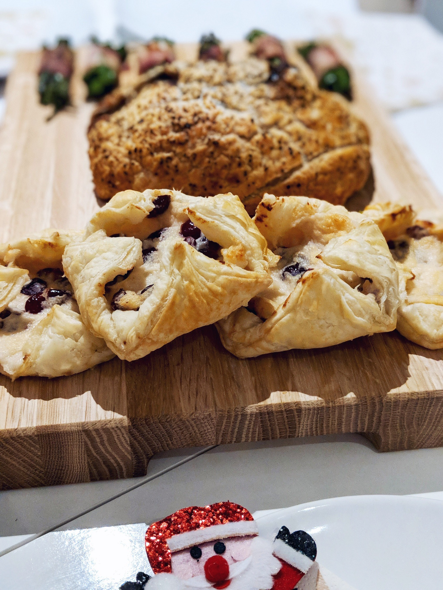 iceland luxury food christmas cocoa chelsea brie and cranberry parcels