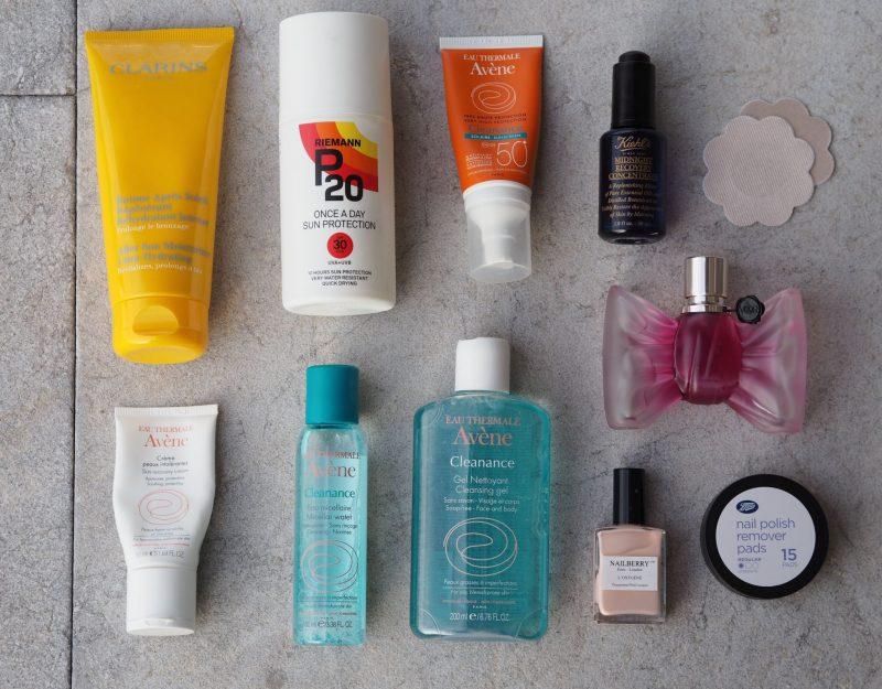 Holiday Wash Bag Essentials